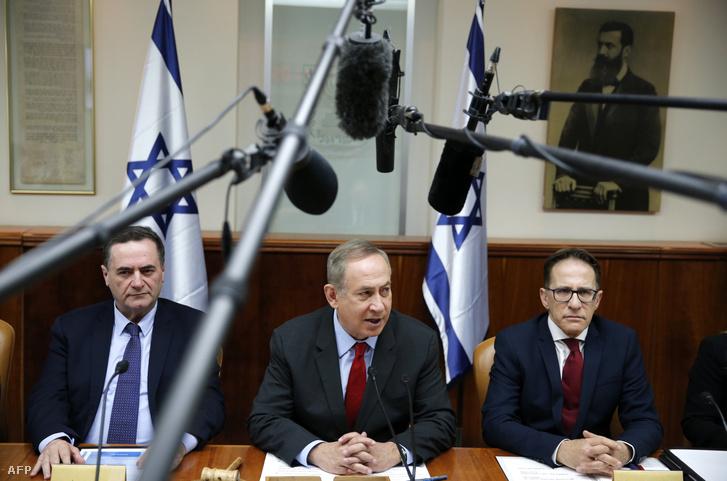 Benjamin Netanyahu egy kormánymegbeszélésen, 2017. március 16-án.