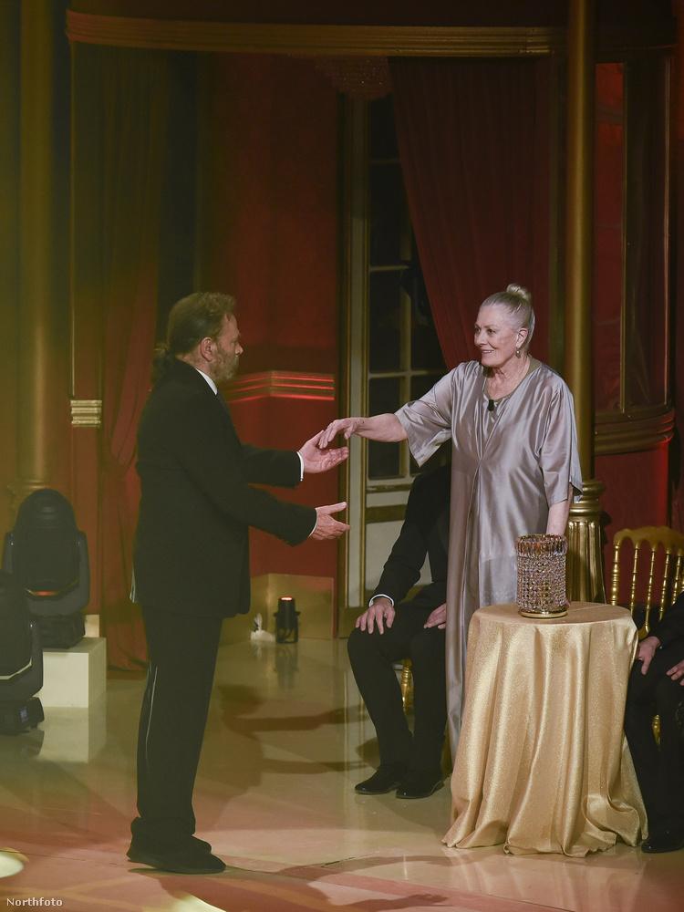 Mindezt azok után állapítottuk meg, hogy a 75 éves Franco Nero, 80 éves feleségével Vanessa Redgrave-vel fellépett Rómában a Dancing with the Stars műsorban