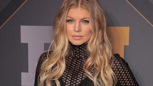 Újabb meztelen celebfotó került ki a netre, most Fergie-ről
