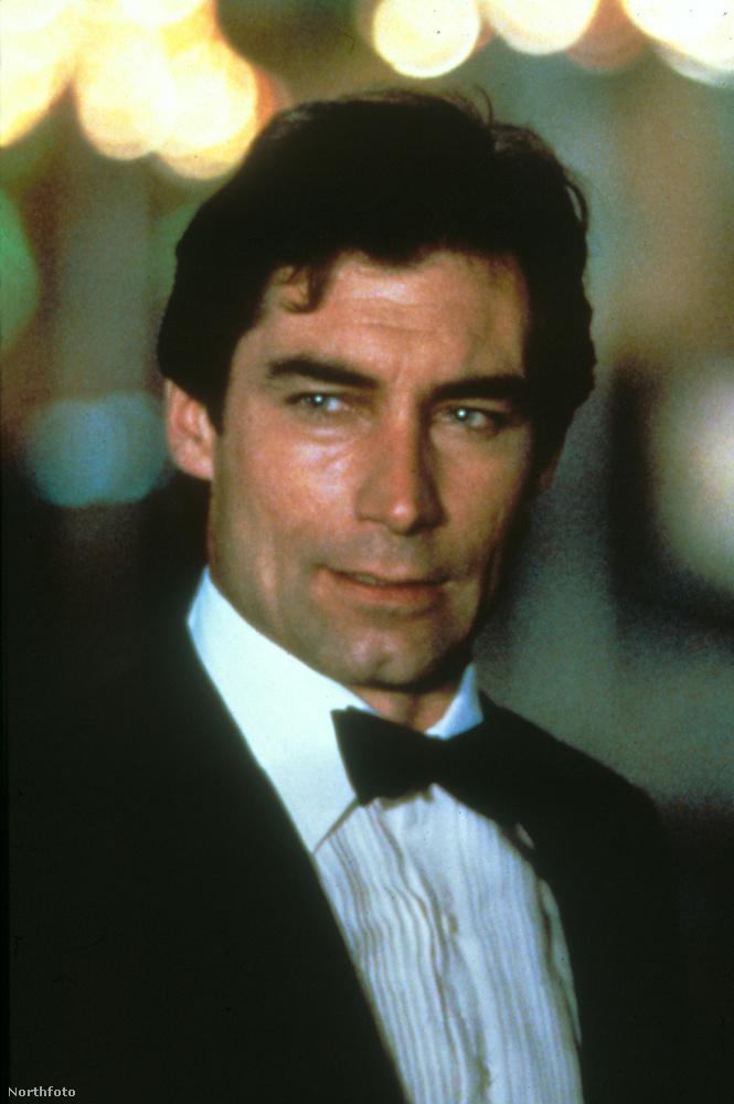 A színésznő 1971-től 1986-ig az egyik James Bond, Timothy Dalton élettársa volt.