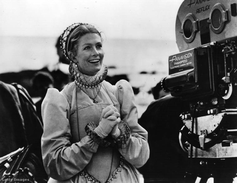 Első kiemelkedő alakítását David Hemmings partnereként 1966-ban a kultikussá vált Nagyítás című filmben nyújtotta.A fotón a Mária, askótok királynője című történelmi film forgatásán láthatja.