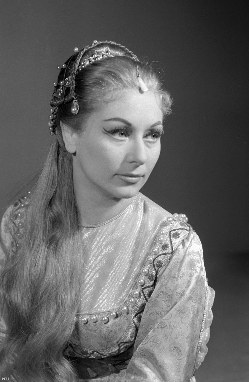 gombos-katalin-1960-mti-bartal-ferenc