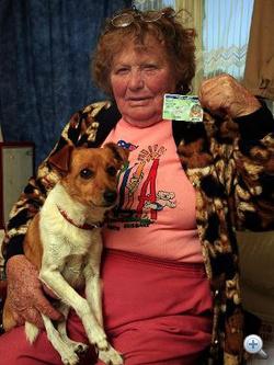 Judith Slade és gyorshajtó kutyája, Aca
