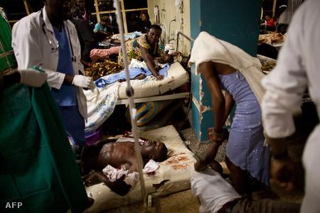 Sérültek a Mulago-kórházban (Fotó: Trevor Snapp)