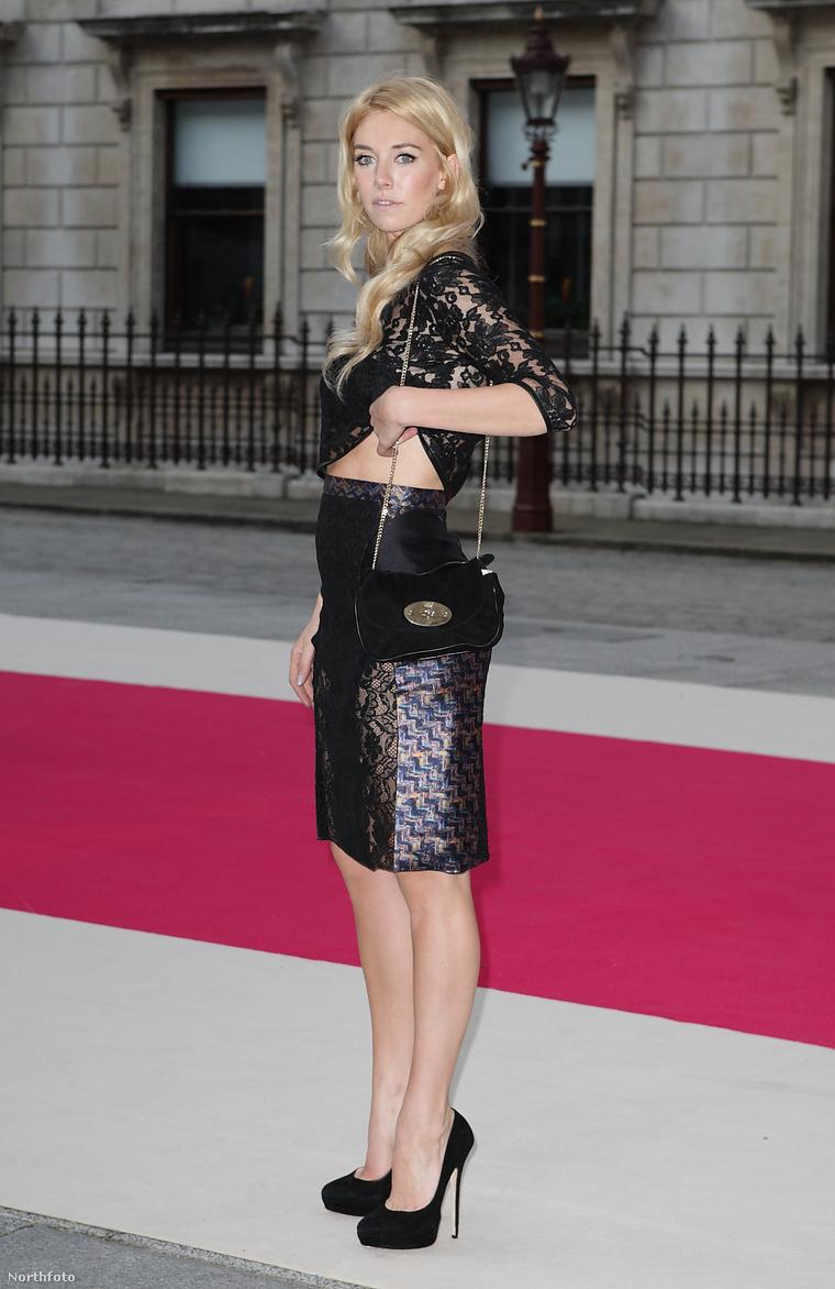 Vanessa Kirby 28 éves angol színésznő. Lehet hogy még sokat hallunk róla.