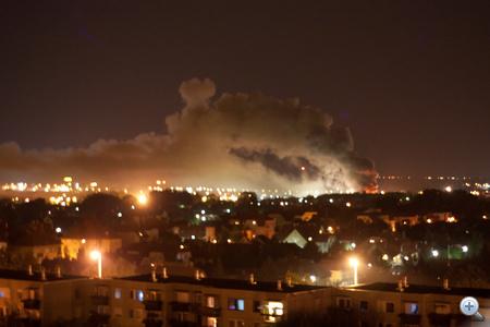 A tűzoltóság emberei 11 kocsival és 46 fővel vonultak a helyszínre