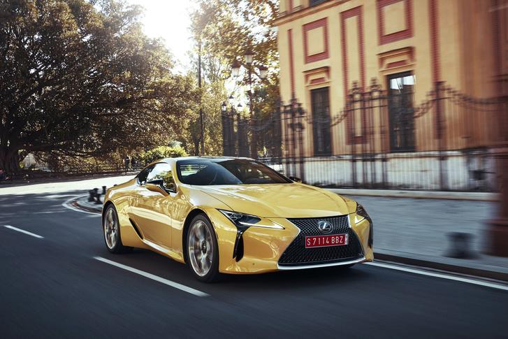 Az új Lexus-design: szép-szép (mondjuk), de szörnyen idegen