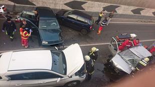 Négy autó karambolozott a Liszt Ferenc repülőtérre vezető úton