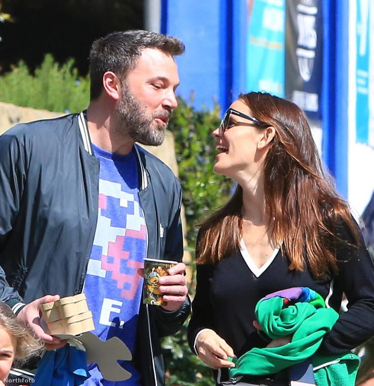 Aztán március elején a színésznő mégis leállította a válási folyamatot, átértékelte Affleck erőfeszítéseit és kiderült, hogy mégsem akar válni.