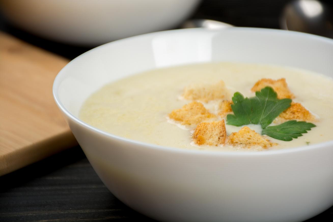 Sűrű sajtkrémleves 20 perc alatt - Tejszínes, fokhagymás változat