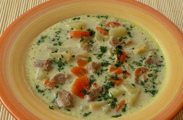 Tárkonyos krumplileves sok zöldséggel és csirkével - 40 perces recept