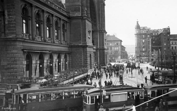 A Keleti pályaudvar és a Baross tér az 1930-as évek elején.