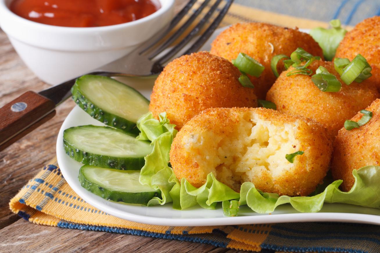 Sajtos krumpligolyó ropogós bundában - A legjobb köret, amit eddig ettél