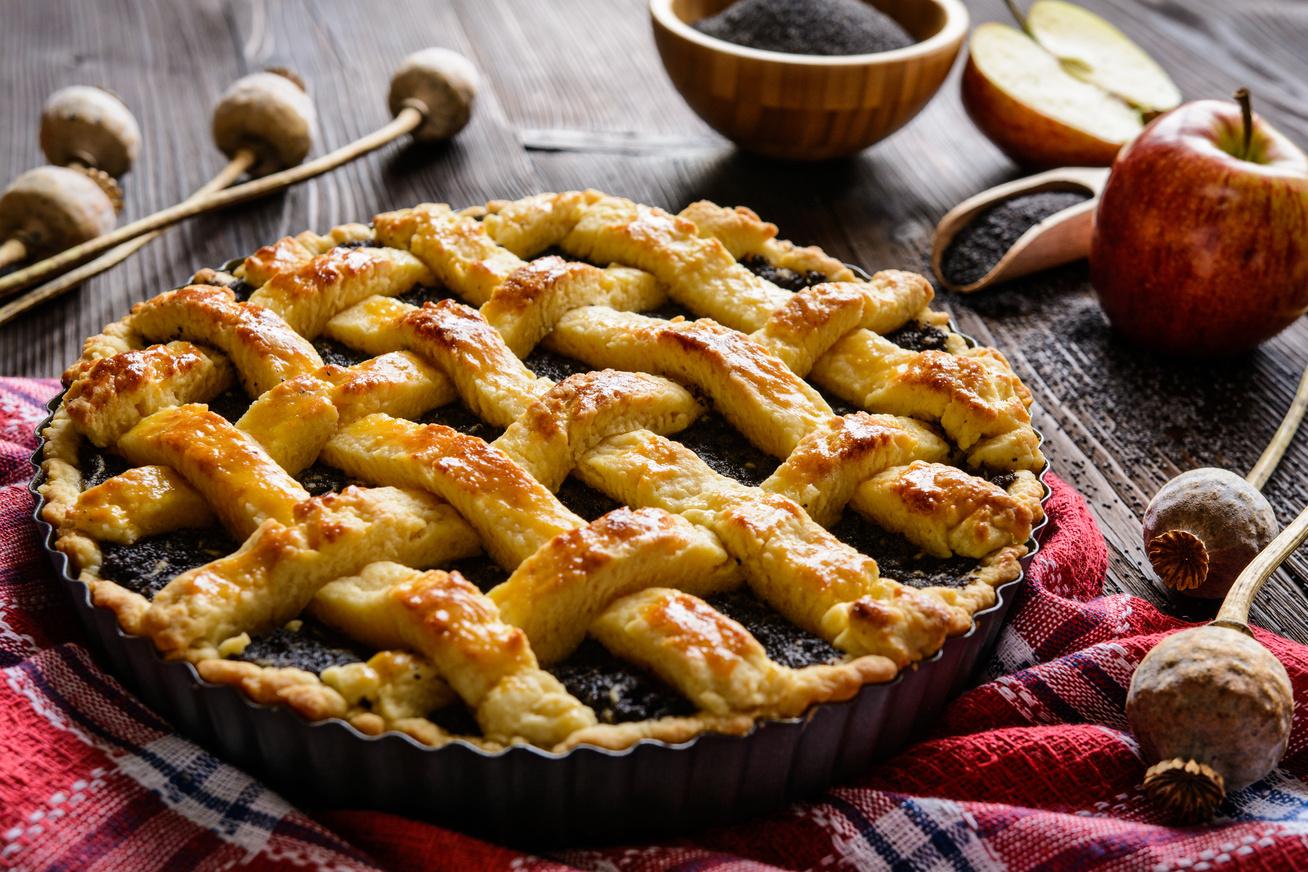 Meggyes-mákos rácsos pite