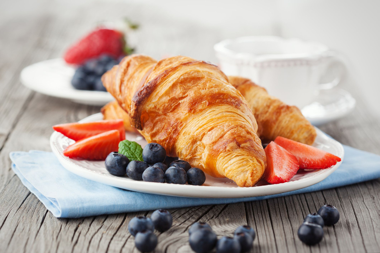 A legfinomabb házi croissant lekvárral töltve