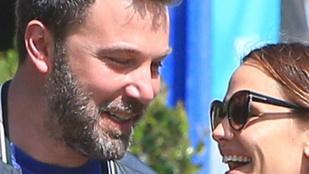 Ezen fotók miatt remélik, hogy újra egymásra talált Ben Affleck és felesége