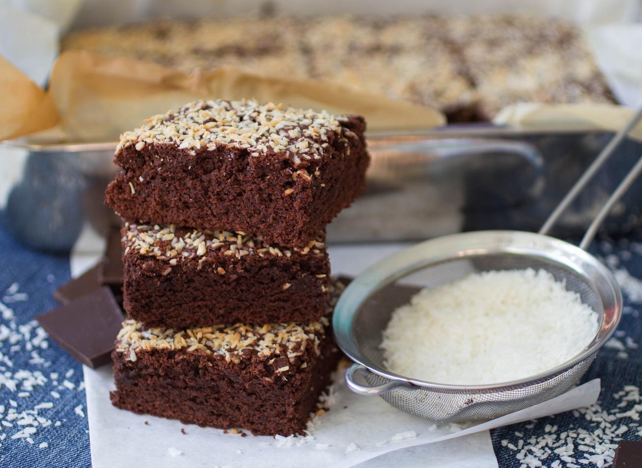 Puha csokis-kókuszos bögrés süti