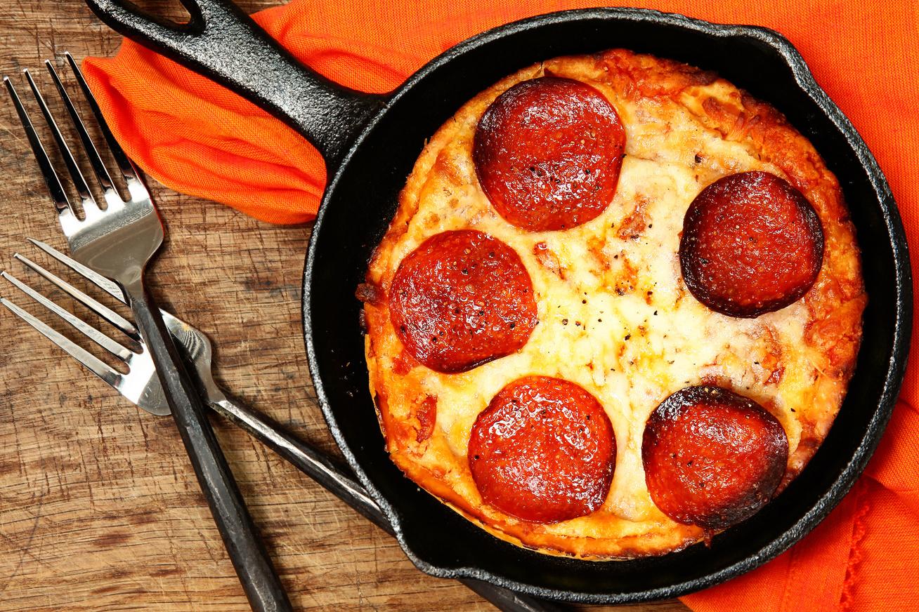 Serpenyőben sült pizza 15 perc alatt