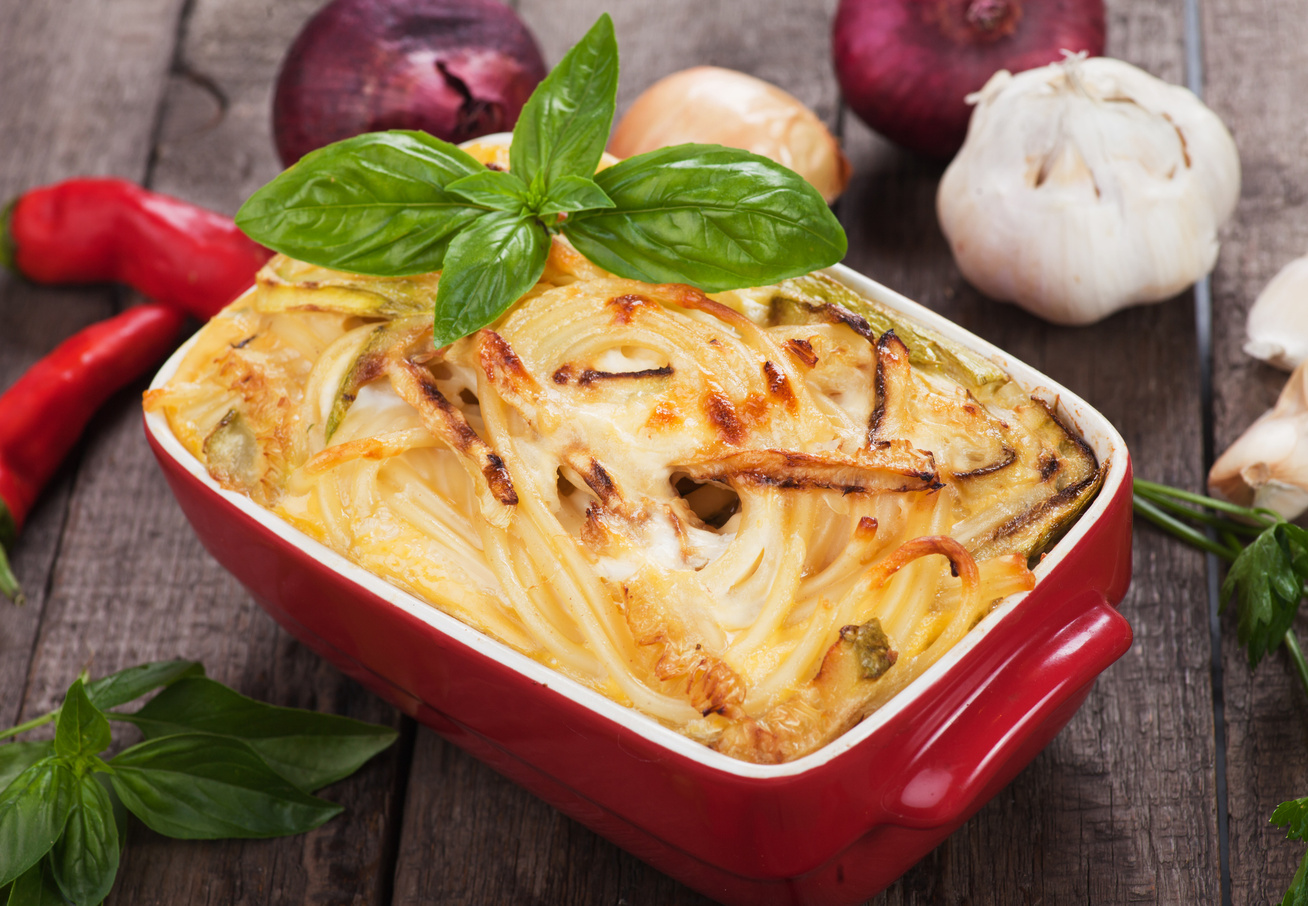 Sajtos, tejszínes spagetti a sütőből - Elképesztően finom