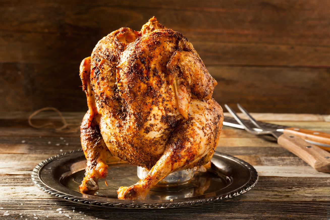 Különleges, sörösdobozon sült, ropogós csirke
