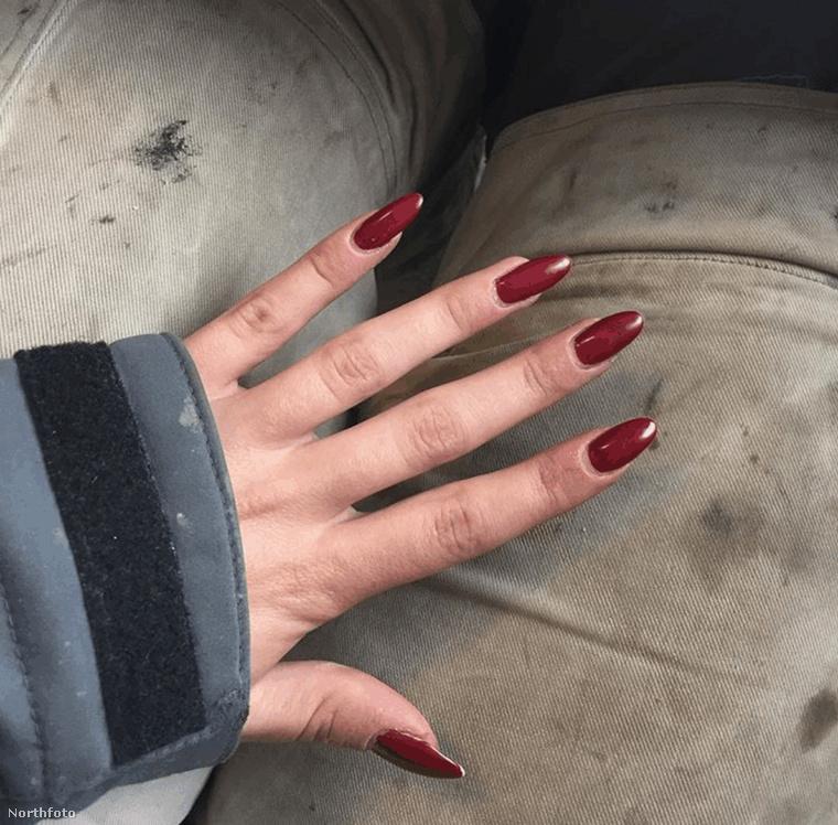 Annak ellenére, hogy szó szerint be kell piszkolnia a kezét, a szépítkezés éppúgy fontos a számára, mint bármelyik nőnek