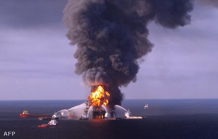 A Deepwater Horizon olajfúrótornyon április 22-én elsüllyedt