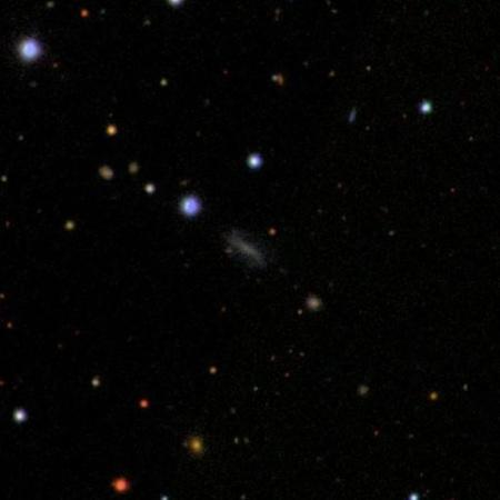 A szupernóvának otthont adó halvány galaxis a Sloan Digital Sky Survey felvételén.