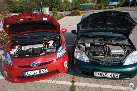 Két benzin- és minimum két hajtó-villanymotor a képen