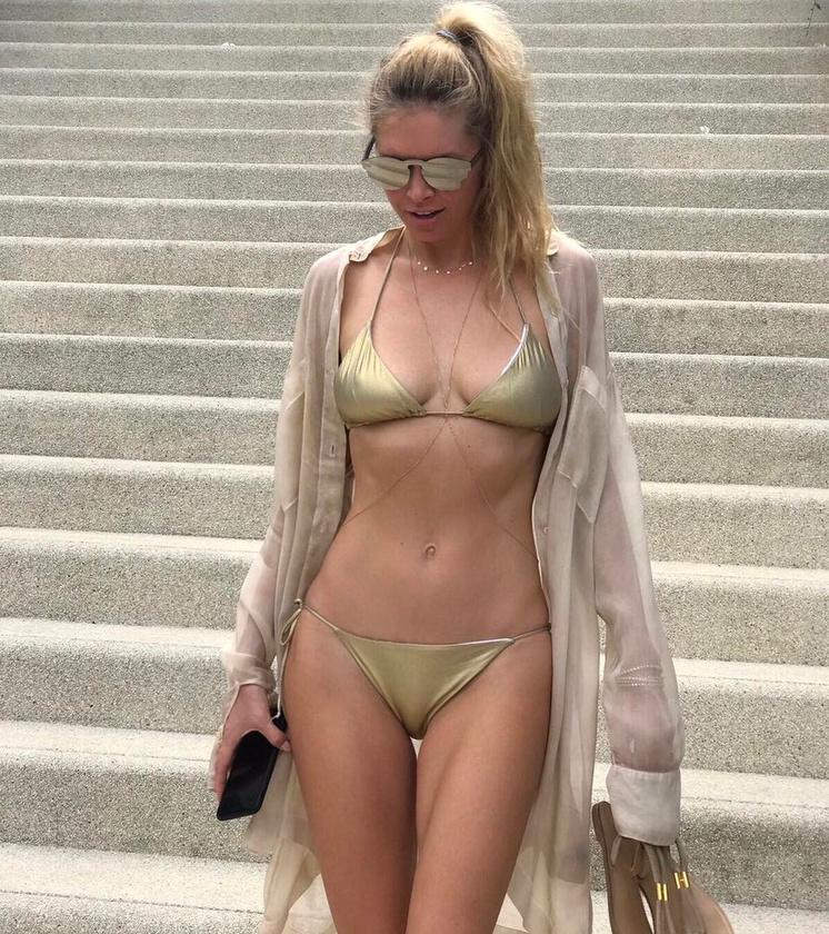 Amikor bikiniben mutatja meg magát, a fotóinál egyetlen nap alatt 200 ezres nagyságrendű lájk torlódik össze.
