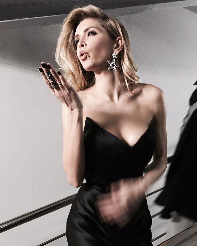 Vera Brezhneva 2008-ban műsorvezetőként próbálta ki magát a Power of 10 című műsorvezető orosz verziójában.