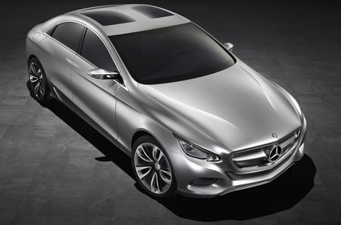 Mercedes-Benz-1621010233543821600x1060