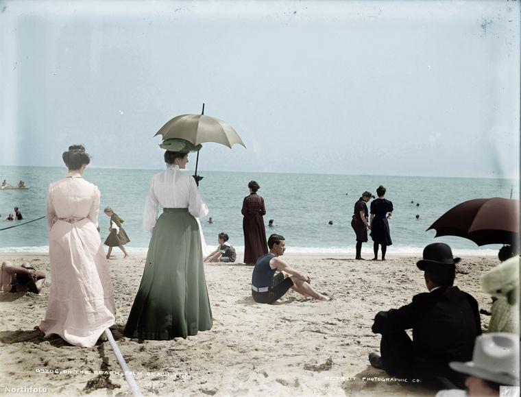 Egy pár strandfotót is életre keltettek ehhez a sorozathoz, ez például Florida egyik tengerpartját mutatja 1906-ban