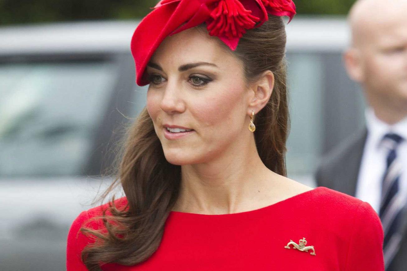 nagykep?cikkid=169619&kep=katalin-hercegne-legszebb-piros-ruhai-