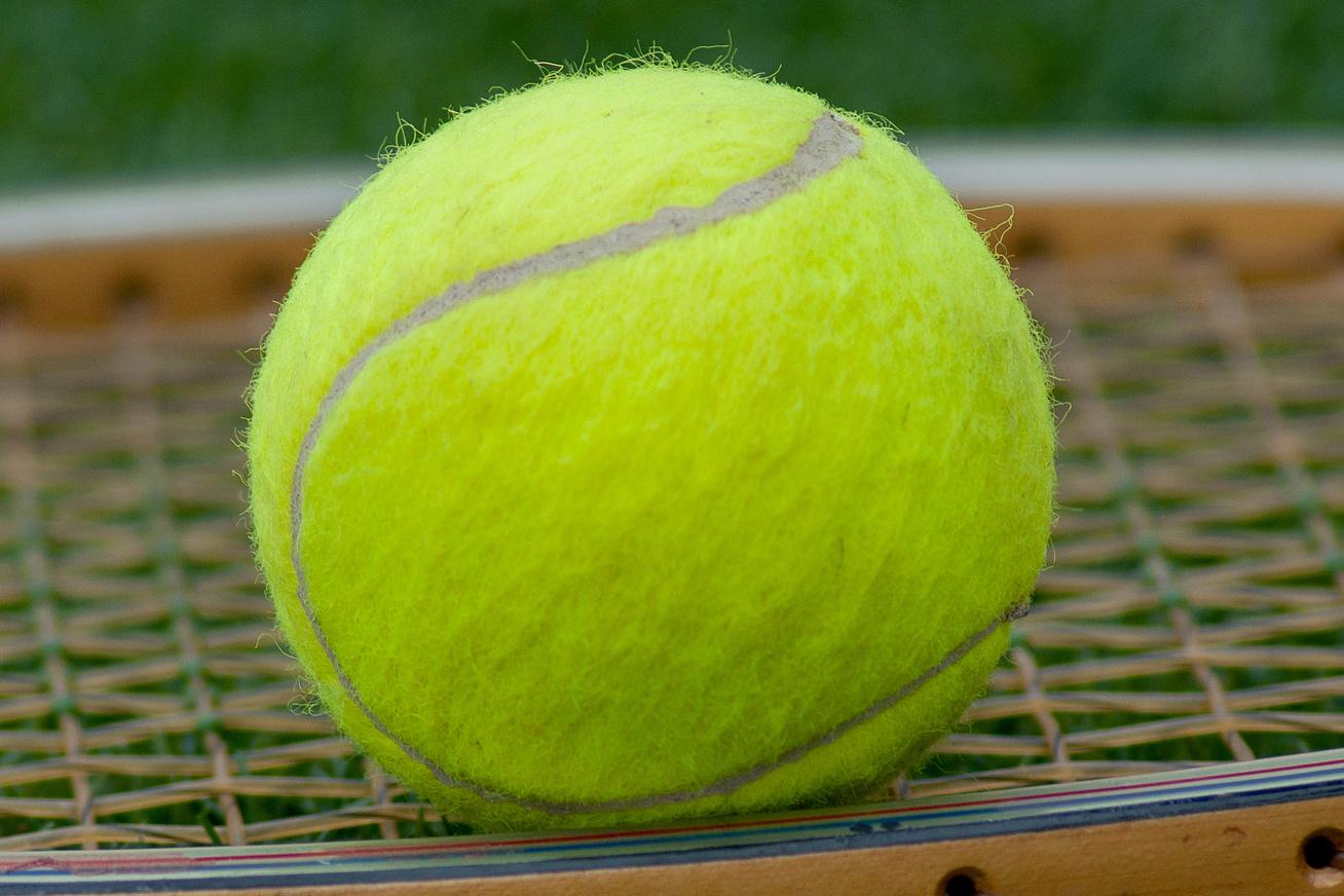 nagykep?cikkid=169330&kep=teniszlabda-lead