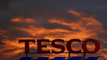 A Tesco biztonsági őre elvette a Momentum ajánlóíveit és elszaladt velük