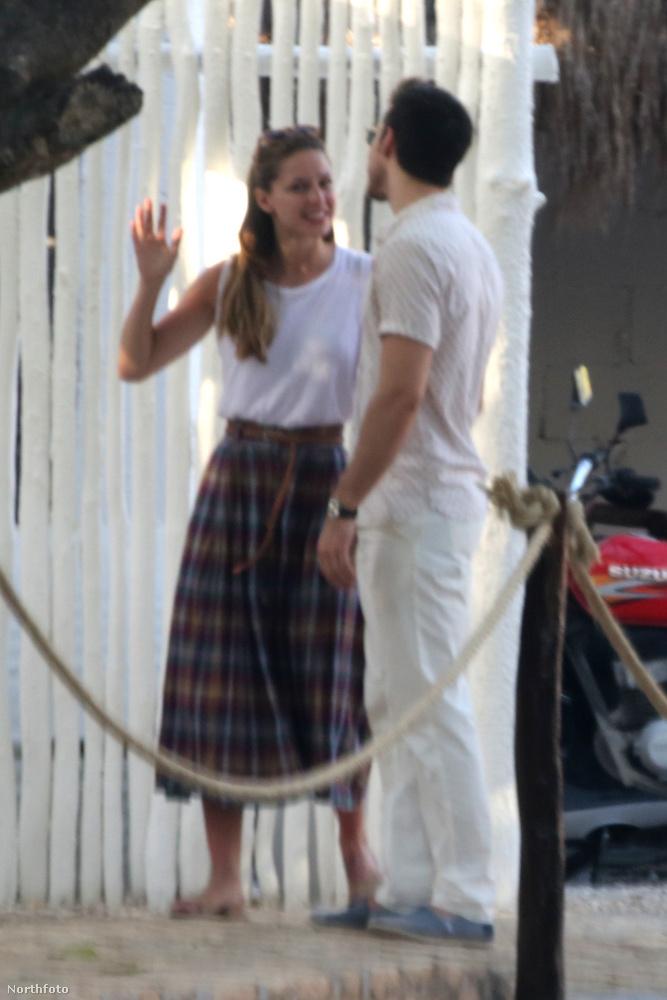 Kapcsolatuk már csak azért is érdekes, mert mindketten az elmúlt három hónap során lettek szinglik.