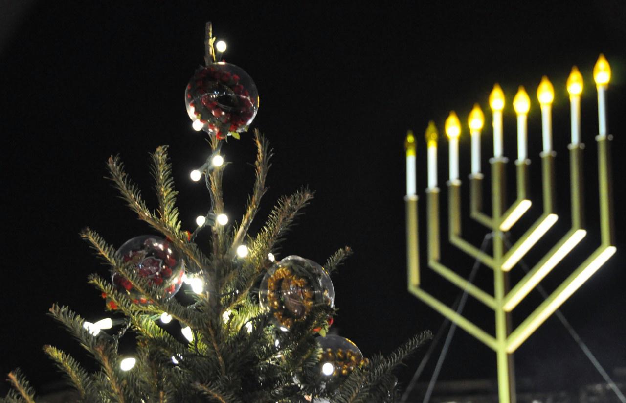 nagykep?cikkid=167947&kep=hanukkah-christmas1-lead