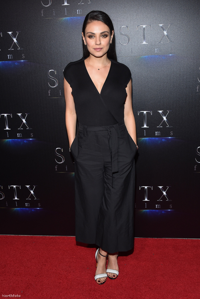 Közben Mila Kunis karrierje sem szünetel