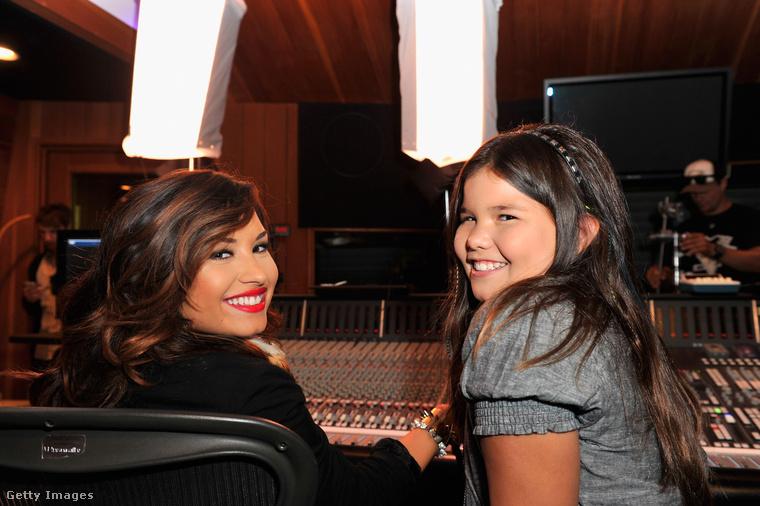 Nem maradhat ki ebből a galériából a népszerű énekesnő, Demi Lovato nagyon bájos kishúga, Madison De La Garza sem!