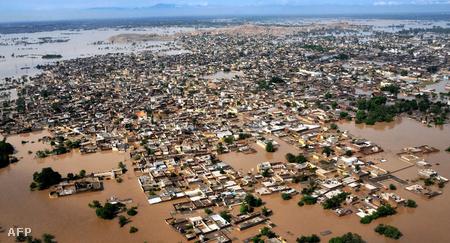 Légifotó az elárasztott térségről