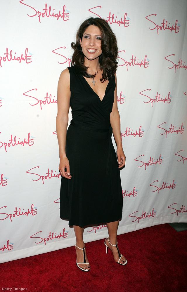 J.Lo húga televíziós újságíróként dolgozik, és több tévéműsort is vezetett már, sőt korábban VJ is volt a VH1 zenecsatornánál.