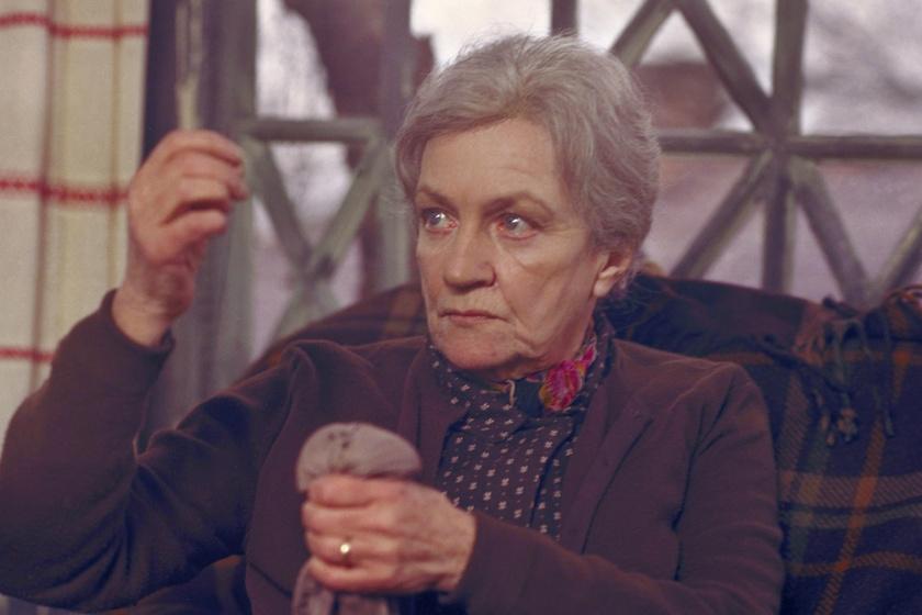 Bulla Elma A téglafal mögött című filmben.
