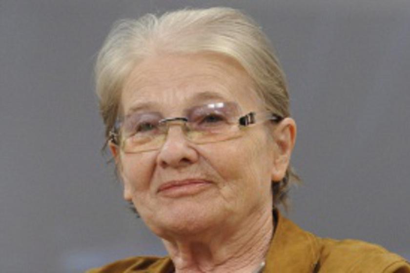 15 évig titkolta, hogy Törőcsik Mari a nagymamája - Fotókon a színész Máté