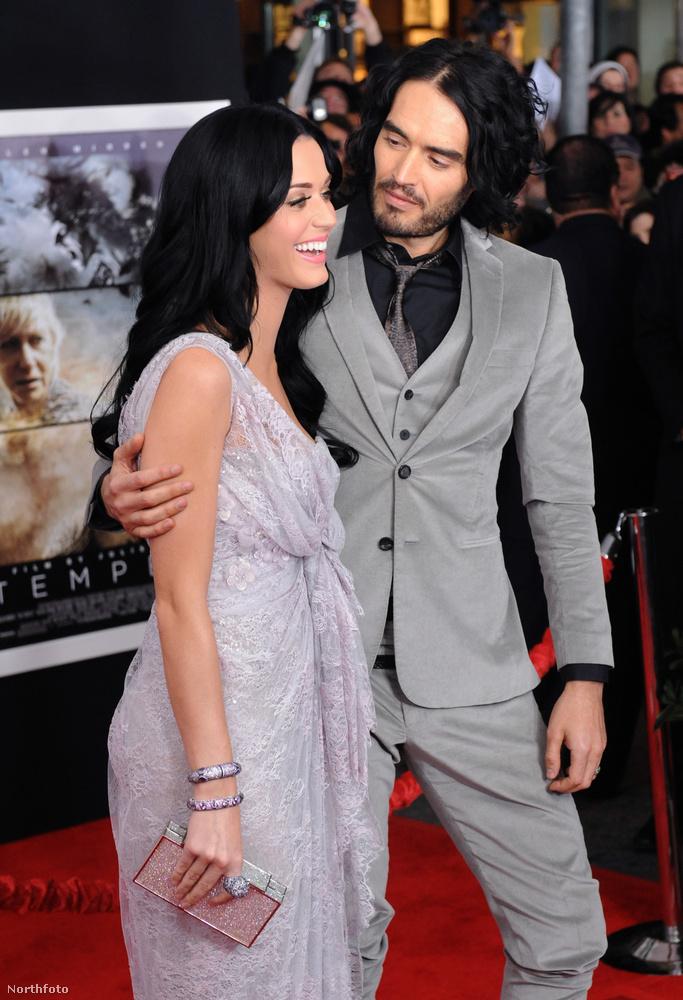 Előző képünkön az Orlando Bloomal túlzottan is jó barátságban maradt Katy Perryt láthatta, ezen pedig volt férjével, Russell Branddel pompázik