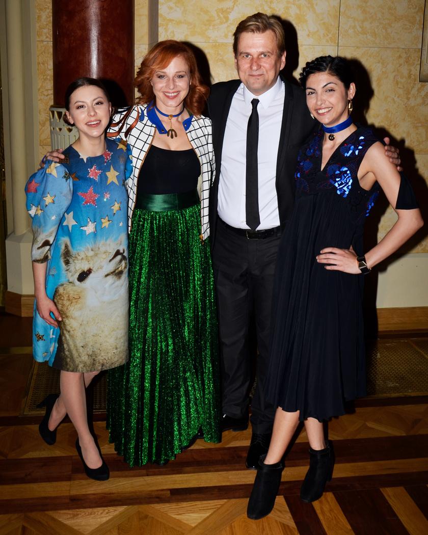 A legjobb színésznő díjára Döbrösi Laurát - bal oldalon - is jelölték. A legjobb mellékszereplőnek a szakújságírók Farkas Franciskát - jobb oldal - találták.