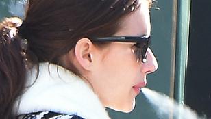 Emma Roberts nem tud leszokni a dohányzásról