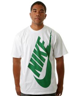 Egészalakos Nike logó