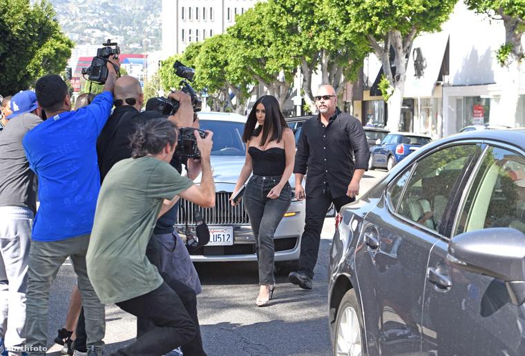 Traumáiról főleg a családi realityben , a Keeping Up With The Kardashiansben beszélt, de néha egy-egy sajtóhírből azért következtetni lehetett rá, mennyire megviselték őt is, férjét, Kanye Westet is a történtek