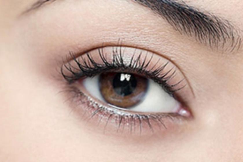 4044e16aa83f Kicsi a szemed? 7 egyszerű tipp profi sminkesektől, hogy nagyobbnak tűnjön  - Szépség és divat | Femina
