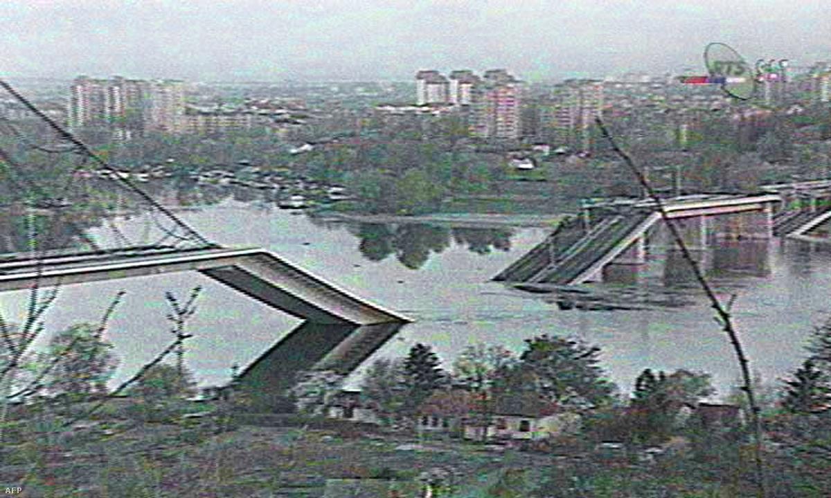 Újvidék a NATO-bombázások után 1999-ben
